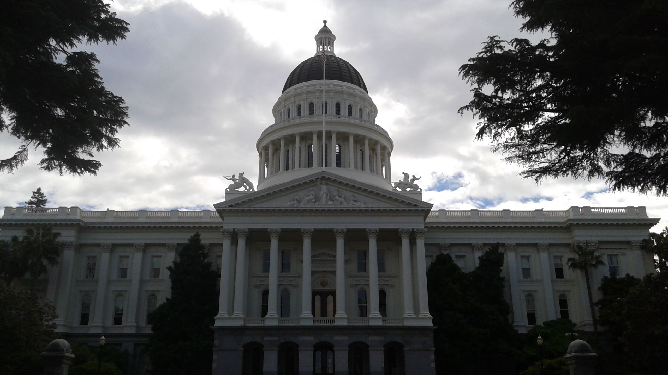 Photograph of the California State Capitol Building